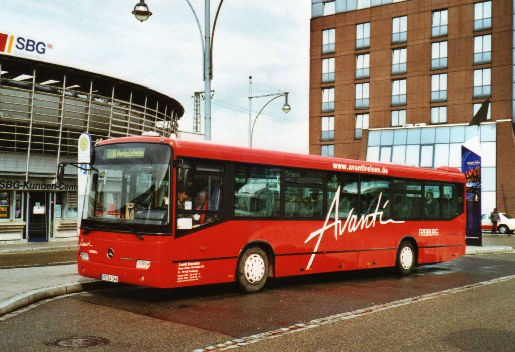 avanti freiburg fr av 144 mercedes conecto am 3 april 2010 freiburg bahnhof bus. Black Bedroom Furniture Sets. Home Design Ideas