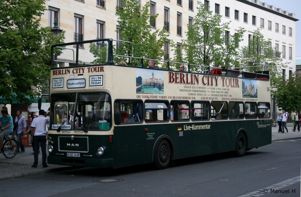 berlin city tours b dd 3438 berlin brandenburger tor 9 bus. Black Bedroom Furniture Sets. Home Design Ideas