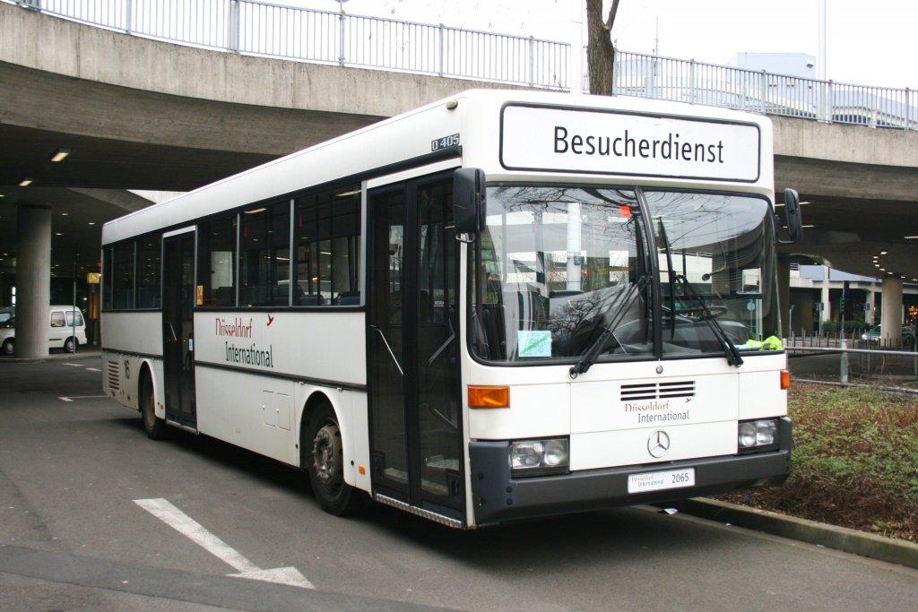 dieser o 405 wird vom flughafen d sseldorf f r flughafenrundfahrten eingesetzt aufgenommen am. Black Bedroom Furniture Sets. Home Design Ideas