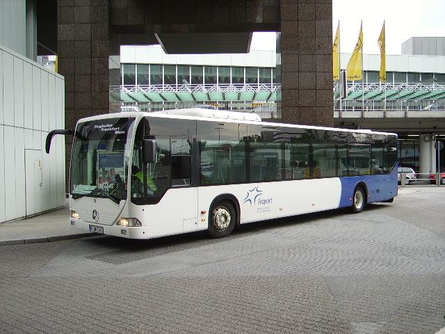 ein mb citaro der fraport ag in frankfurt am main am flughafen am bus. Black Bedroom Furniture Sets. Home Design Ideas