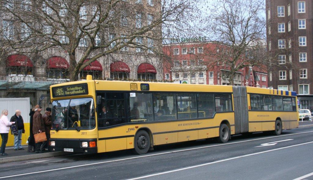 evag 3811 e yx 490 mit dem sb15 am hbf essen 22 bus. Black Bedroom Furniture Sets. Home Design Ideas