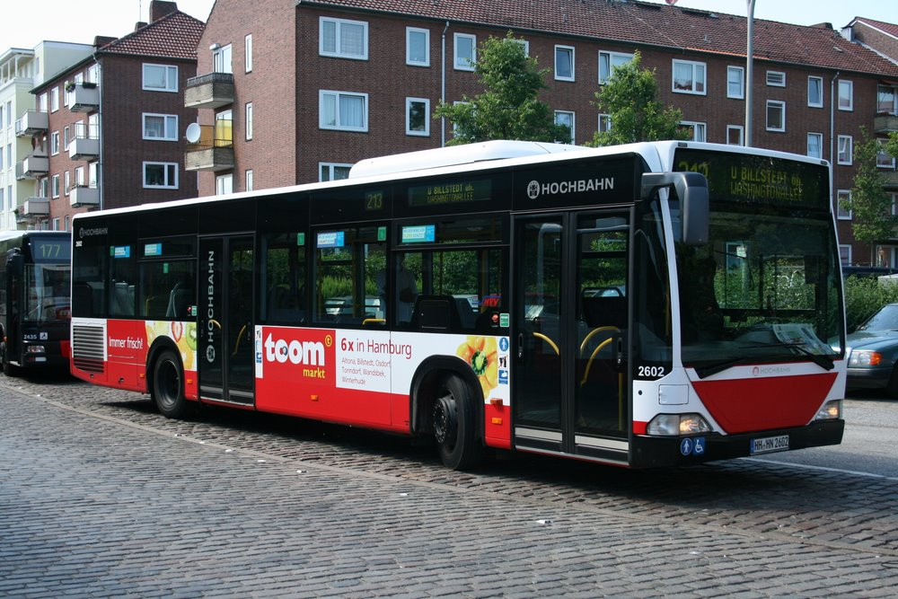 hochbahn 2602 mit toom werbung am 17 juni 2010 in barmbek bus. Black Bedroom Furniture Sets. Home Design Ideas