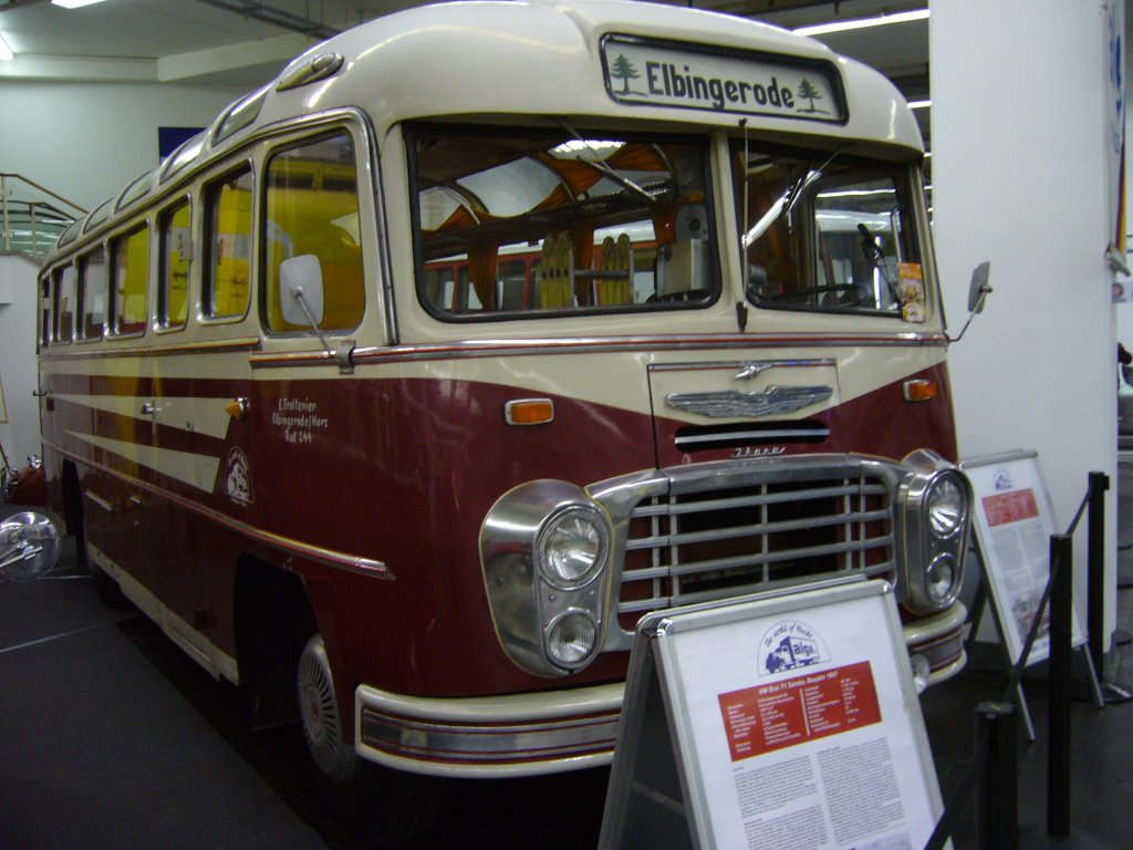 ikarus 31 reisebus von 1960 techno classica essen am 14. Black Bedroom Furniture Sets. Home Design Ideas