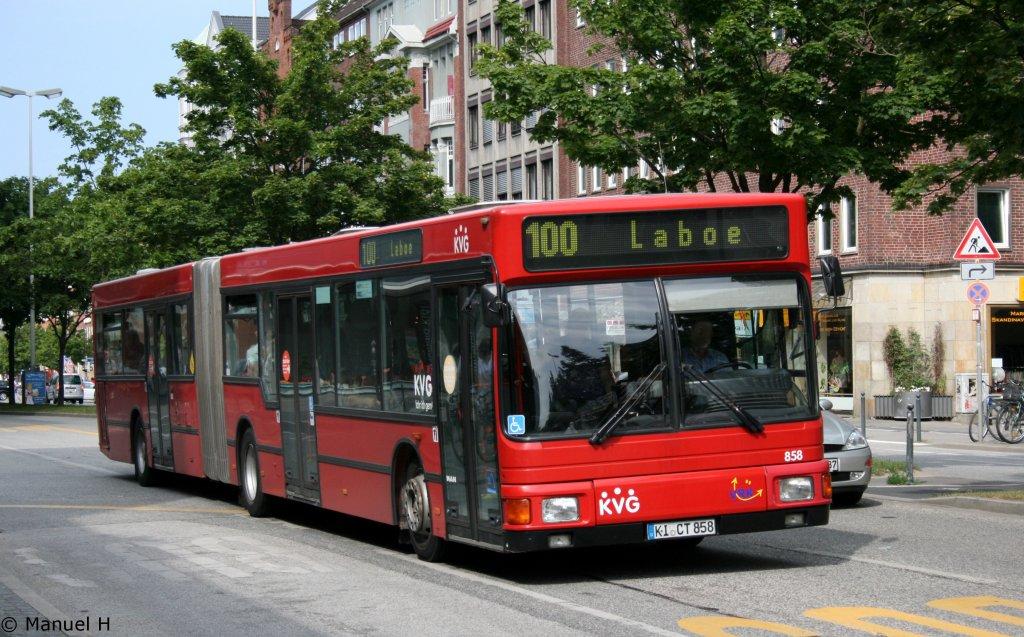 kvg 860 ki el 5866 ex evag 3817 e xy 677 dieser bus wurde bei der kvg ausgemustert kiel hbf. Black Bedroom Furniture Sets. Home Design Ideas