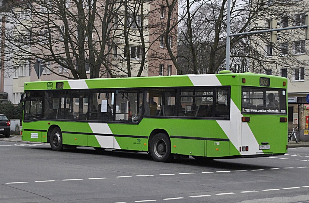 wagen nummer 8414 an der haltestelle raschplatz zob in hannover am bus. Black Bedroom Furniture Sets. Home Design Ideas
