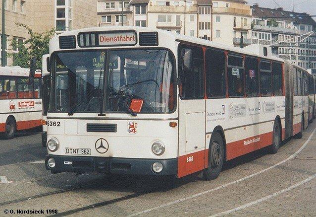 mercedes o 305 g gelenkbus rheinbahn d sseldorf als einer der letzten bus. Black Bedroom Furniture Sets. Home Design Ideas