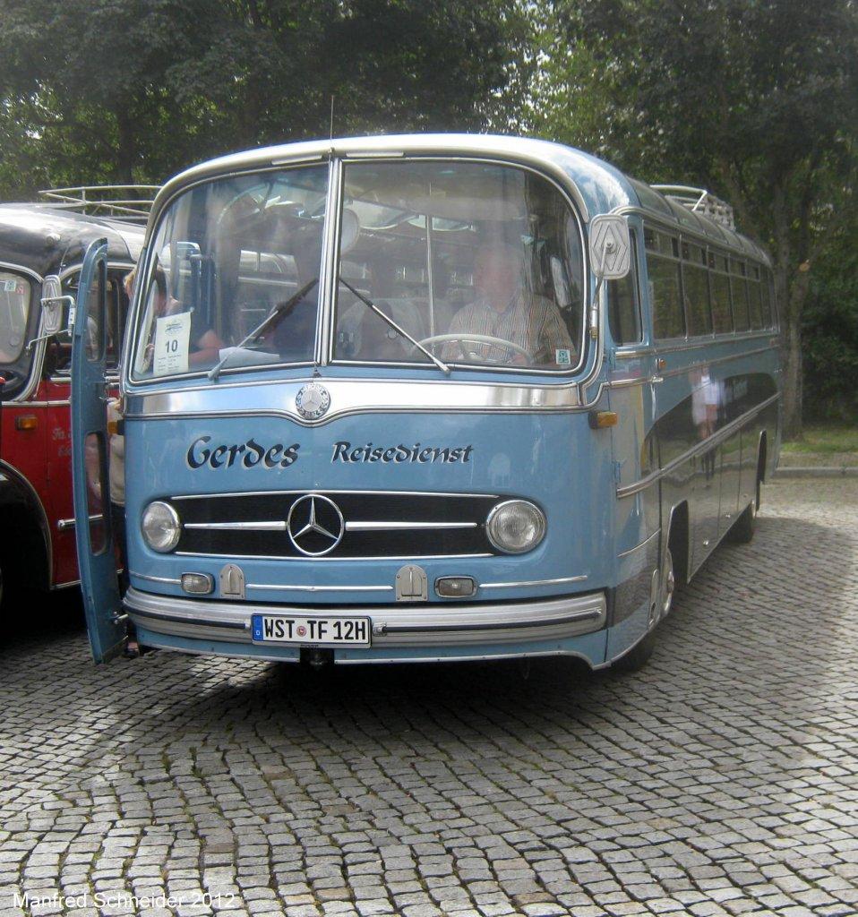 oldtimer busse in saarbr cken das bild habe ich im august 2012 gemacht bus. Black Bedroom Furniture Sets. Home Design Ideas
