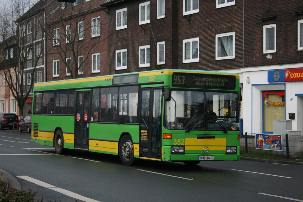 Oberhausen M?bel : ... . Aufgenommen mit der Linie 958 am Bf ...