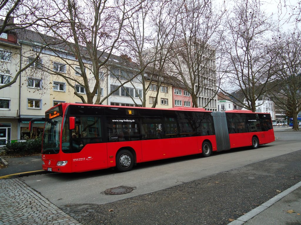 vag freiburg nr 976 fr sw 976 mercedes citaro am 11 dezember 2010 freiburg siegesdenkmal. Black Bedroom Furniture Sets. Home Design Ideas