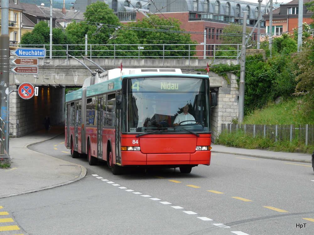 VB - NAW Trolleybus Nr.84 unterwegs in Biel am 14.06.2013