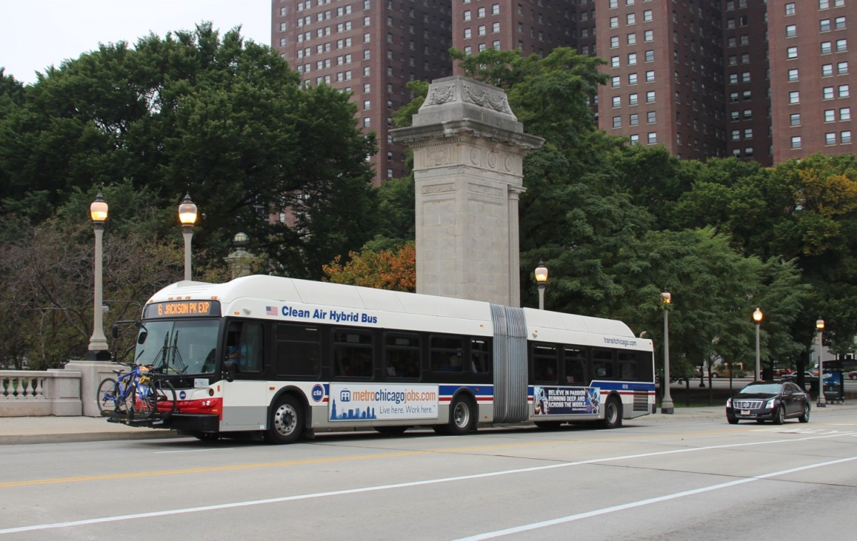 4.10.2013 Hybrid-Stadtbus in Chicago