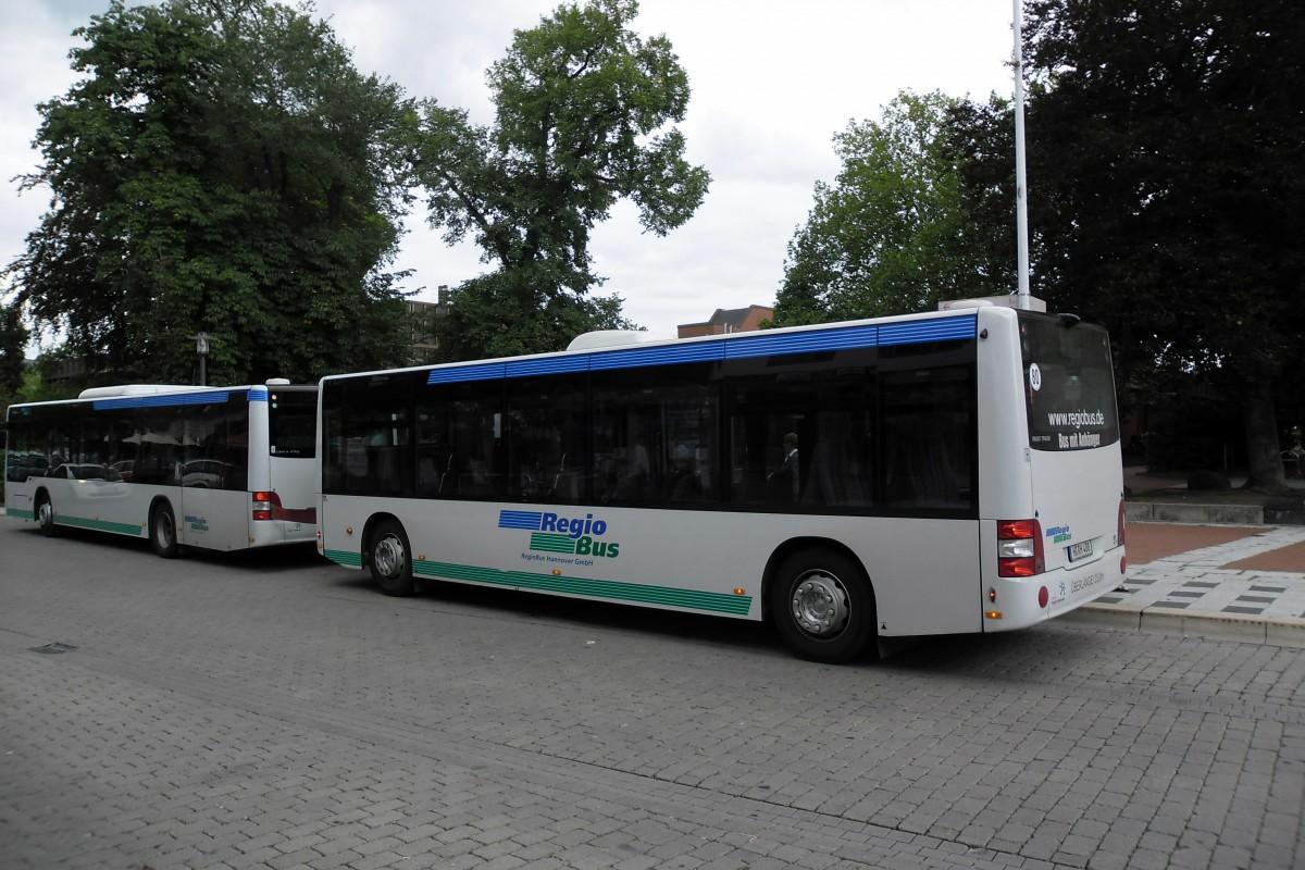 busanh ger und bus von hinten gesehen am in lehrte bus. Black Bedroom Furniture Sets. Home Design Ideas