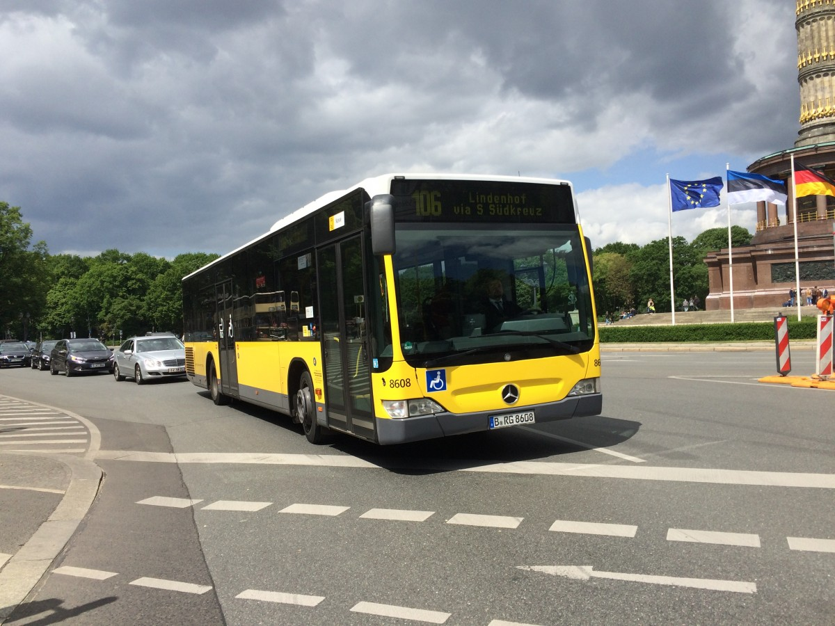 BVG-Mercedes Citaro NR. 8608 unterwegs in Berlin am 17.5.15
