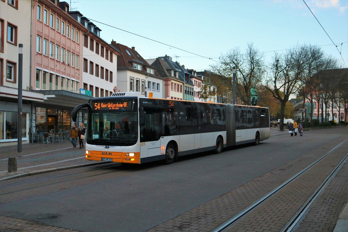 DB Regiobus Mitte MAN Lions City G Wagen 319 am 09.11.19 in Mainz