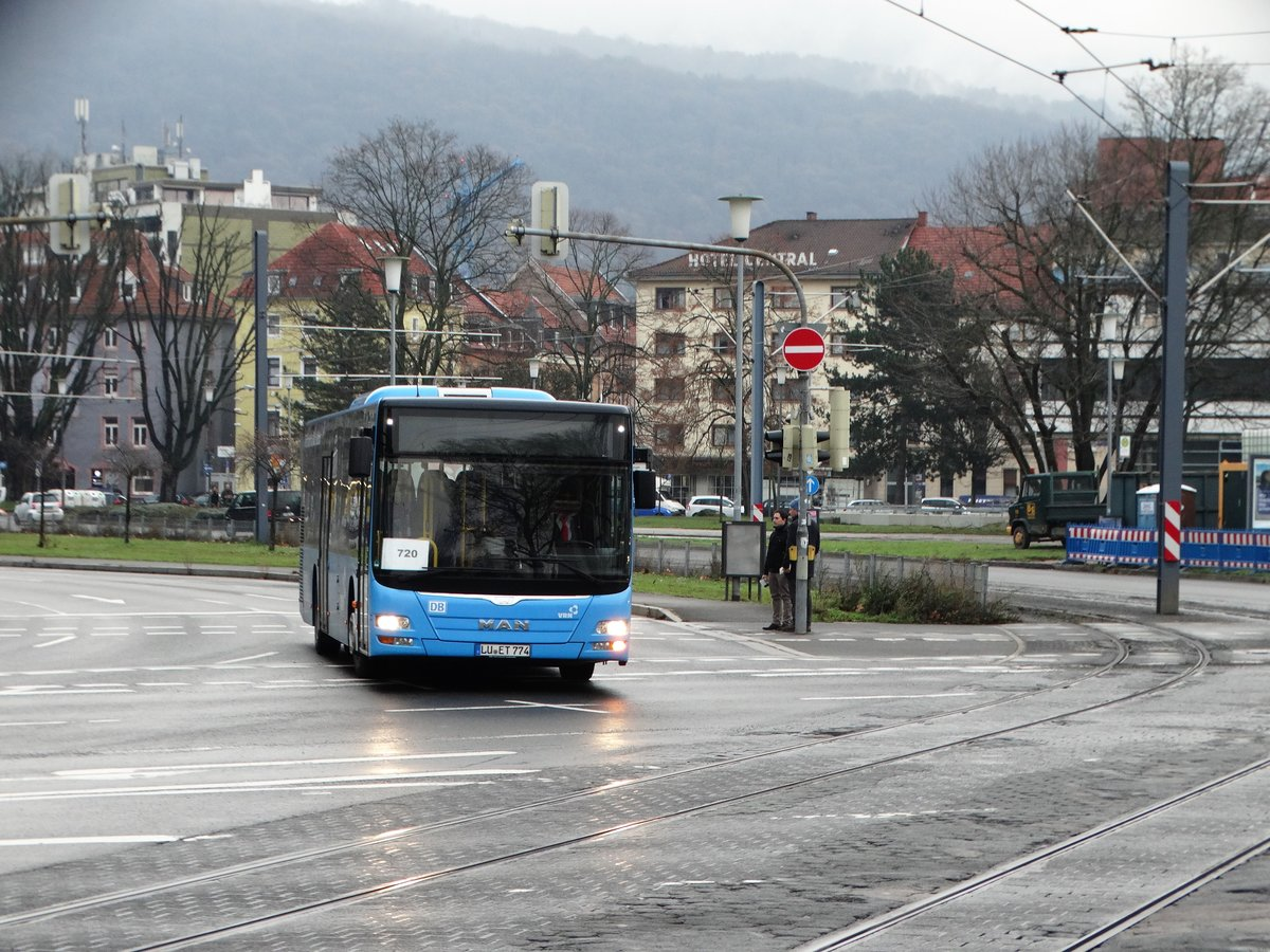 DB Rhein Neckar Bus MAN Lions City am 16.12.17 in Heidelberg Hbf