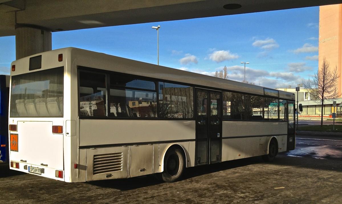 mercedes shuttle bus des f hrhafens rostock am. Black Bedroom Furniture Sets. Home Design Ideas