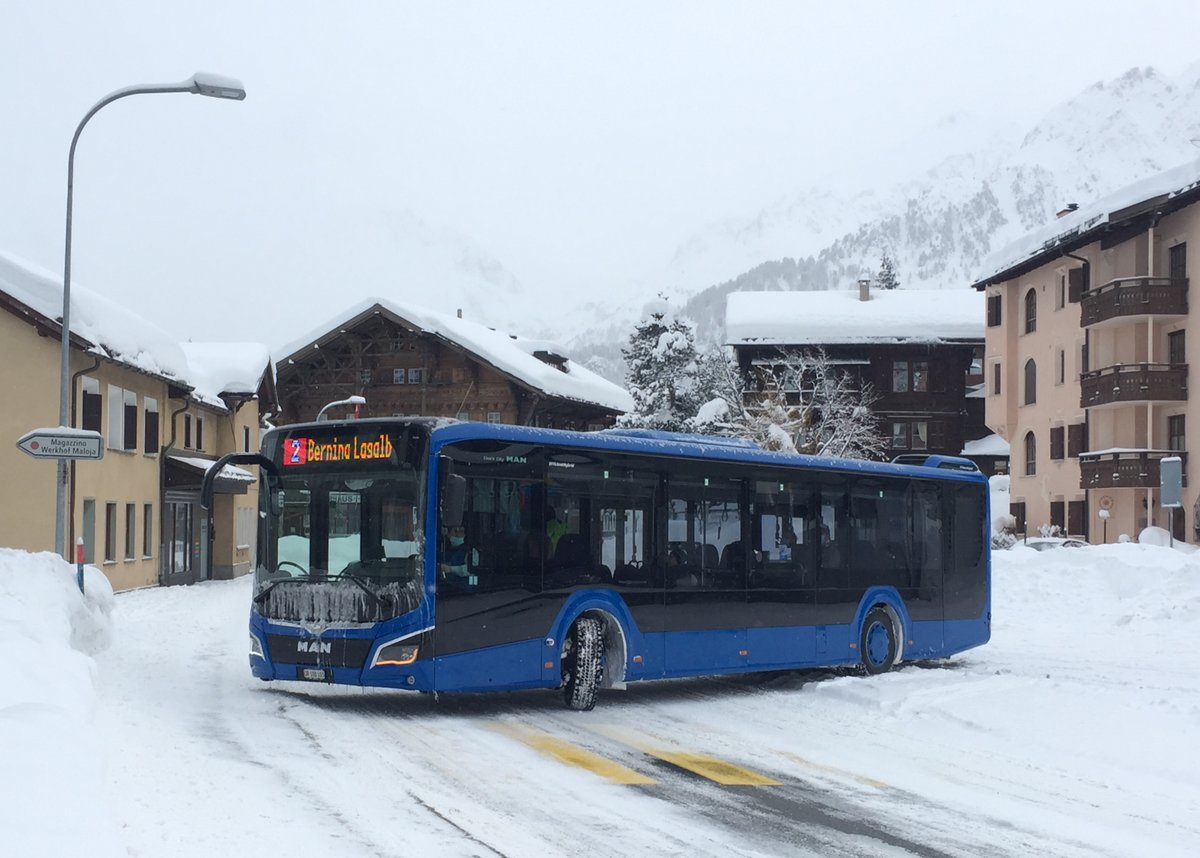 Engadin Bus, St.Moritz. MAN Lion's City 12 (GR 100'103) in Maloja, Posta. (28.12.2020)
