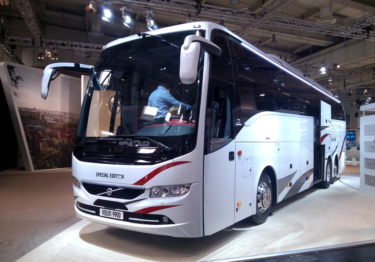 iaa 2016 in hannover zu sehen hier der volvo 9900 special. Black Bedroom Furniture Sets. Home Design Ideas