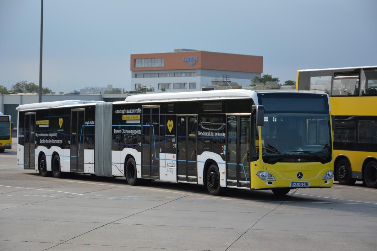 ma mb 190 steht am auf dem omnibusbetriebshof berlin spandau bus. Black Bedroom Furniture Sets. Home Design Ideas