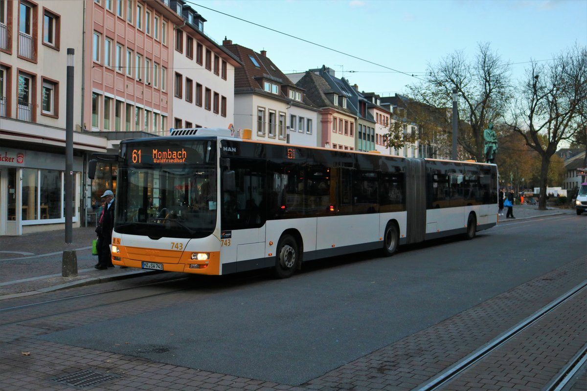 Mainzer Mobilität MAN Lions City G Wagen 743 am 09.11.19 in Mainz
