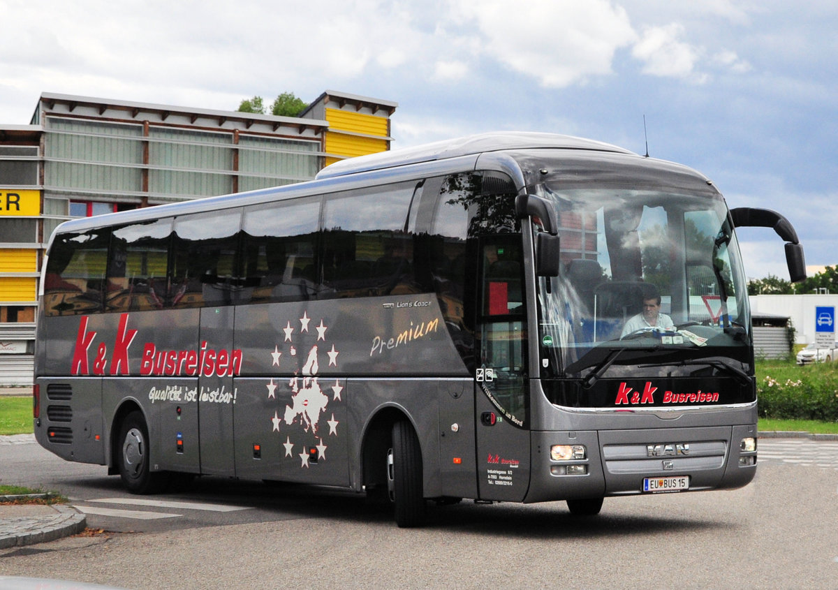MAN Lion`s Coach von k & k Busreisen in Krems.