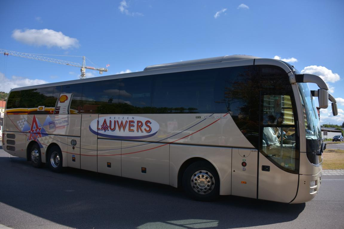 MAN Lion`s Coach von Lauwers Reisen aus Belgien 2017 in Krems.