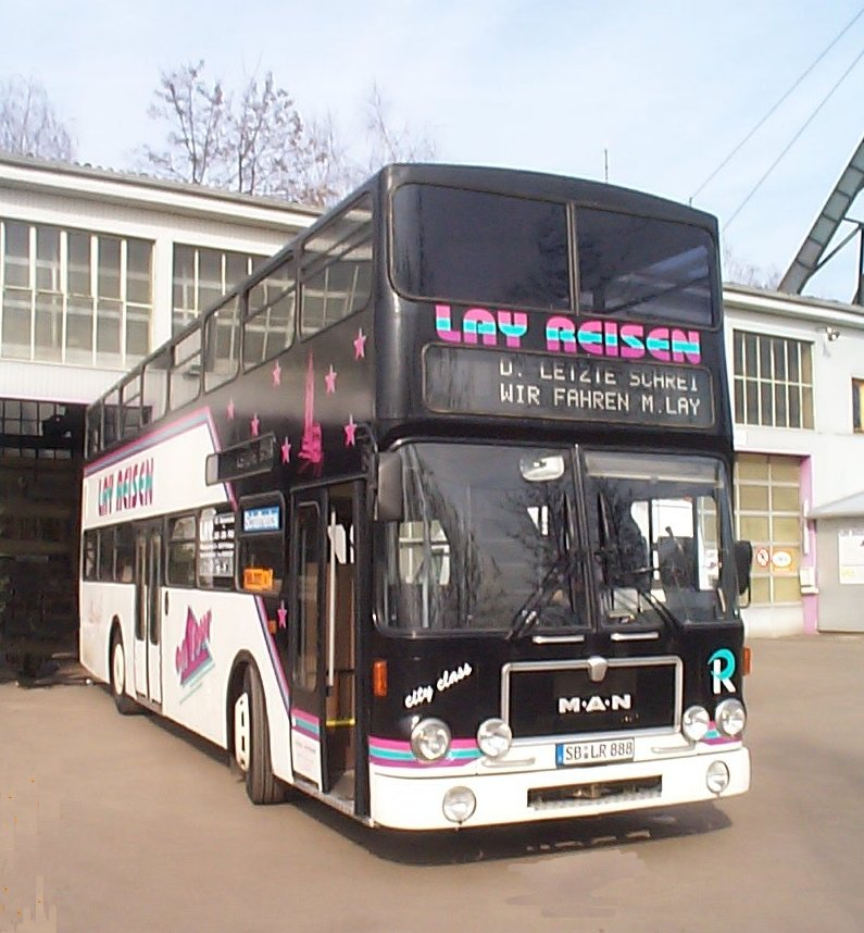 man sd 200 auf dem hof von lay reisen 1992 bus. Black Bedroom Furniture Sets. Home Design Ideas