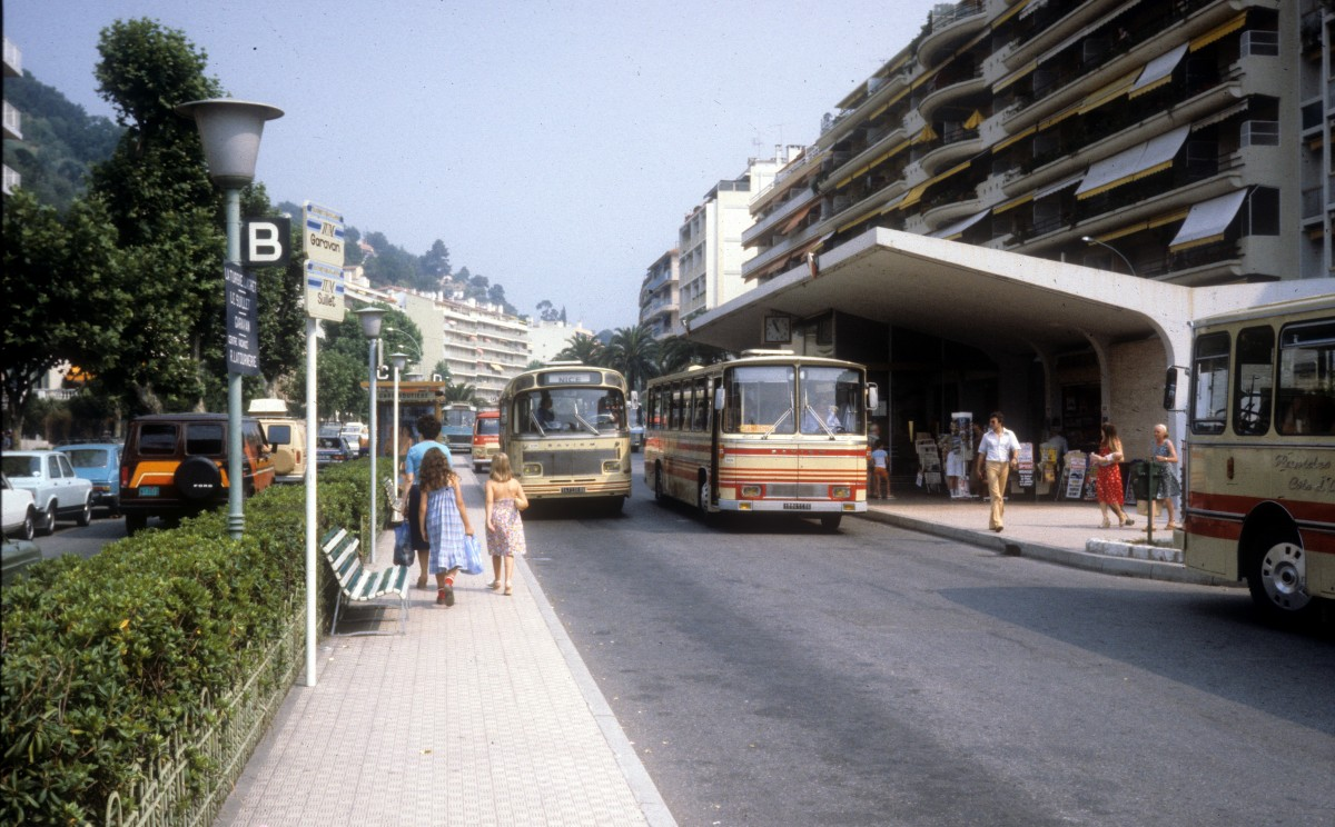 menton im august 1979 la gare routi re der busbahnhof mit linienbussen nach nice nizza der. Black Bedroom Furniture Sets. Home Design Ideas