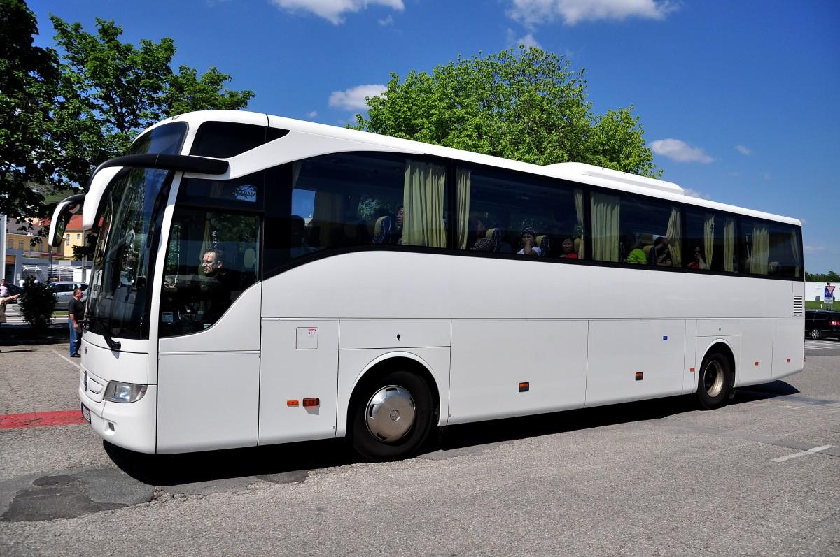 Mercedes benz 350 tourismo coach bus pictures to pin on for Mercedes benz tourismo coach