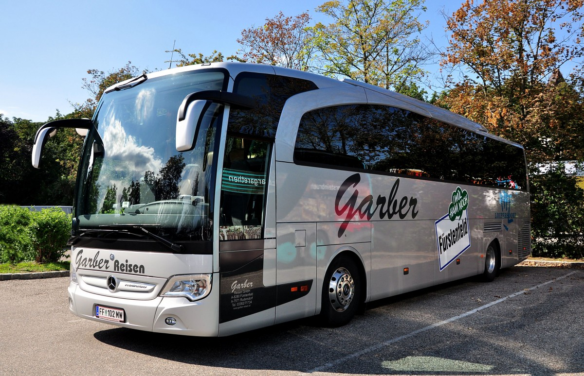 Mercedes benz travego von garber reisen aus sterreich am for Mercedes benz austria