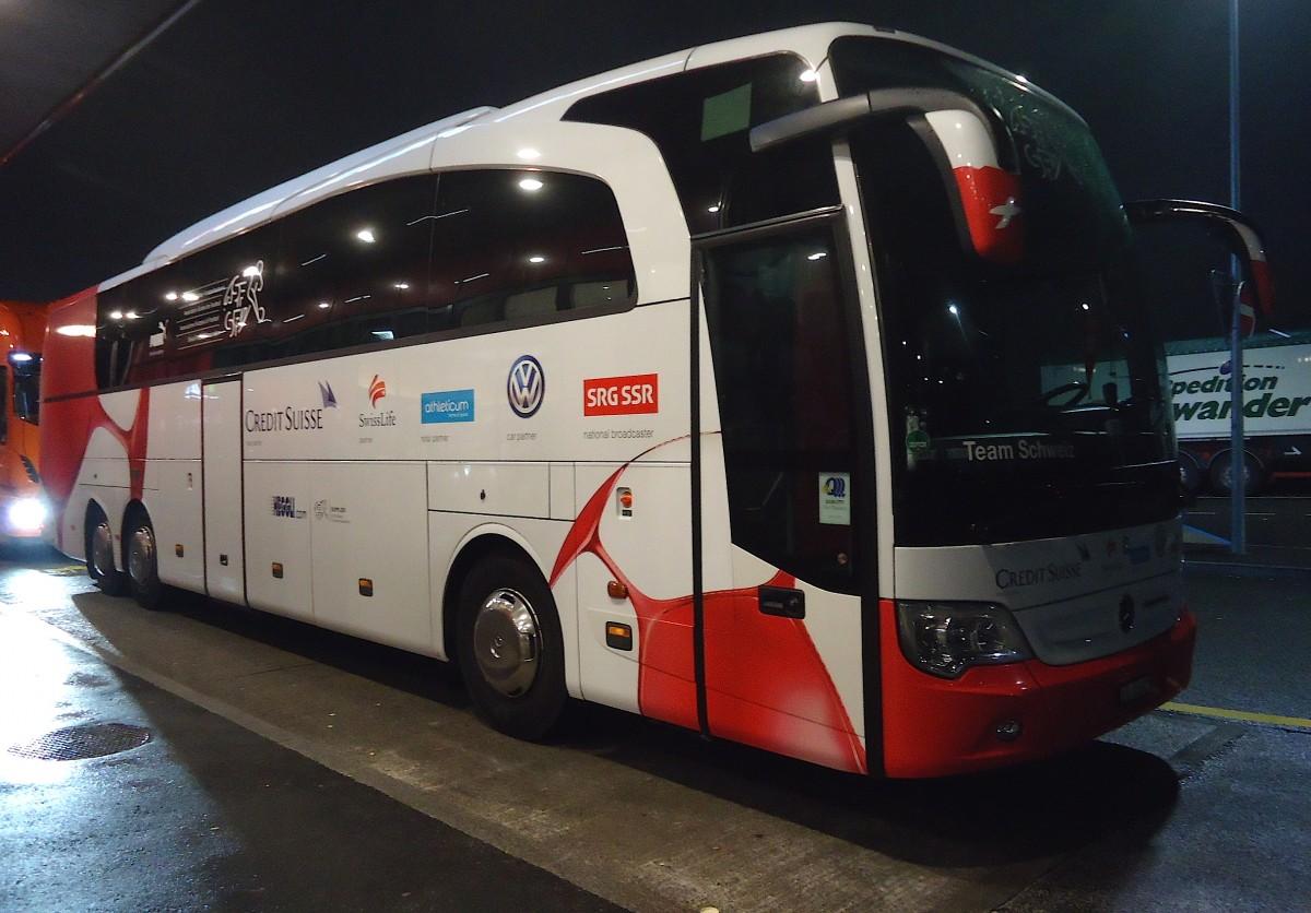 Mercedes benz travego heggli bus de l 39 quipe nationale for Mercedes benz football