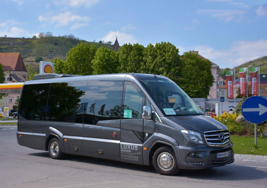 Mercedes Sprinter von  Luxus Reisen  aus NÖ 04/2017 in Krems.