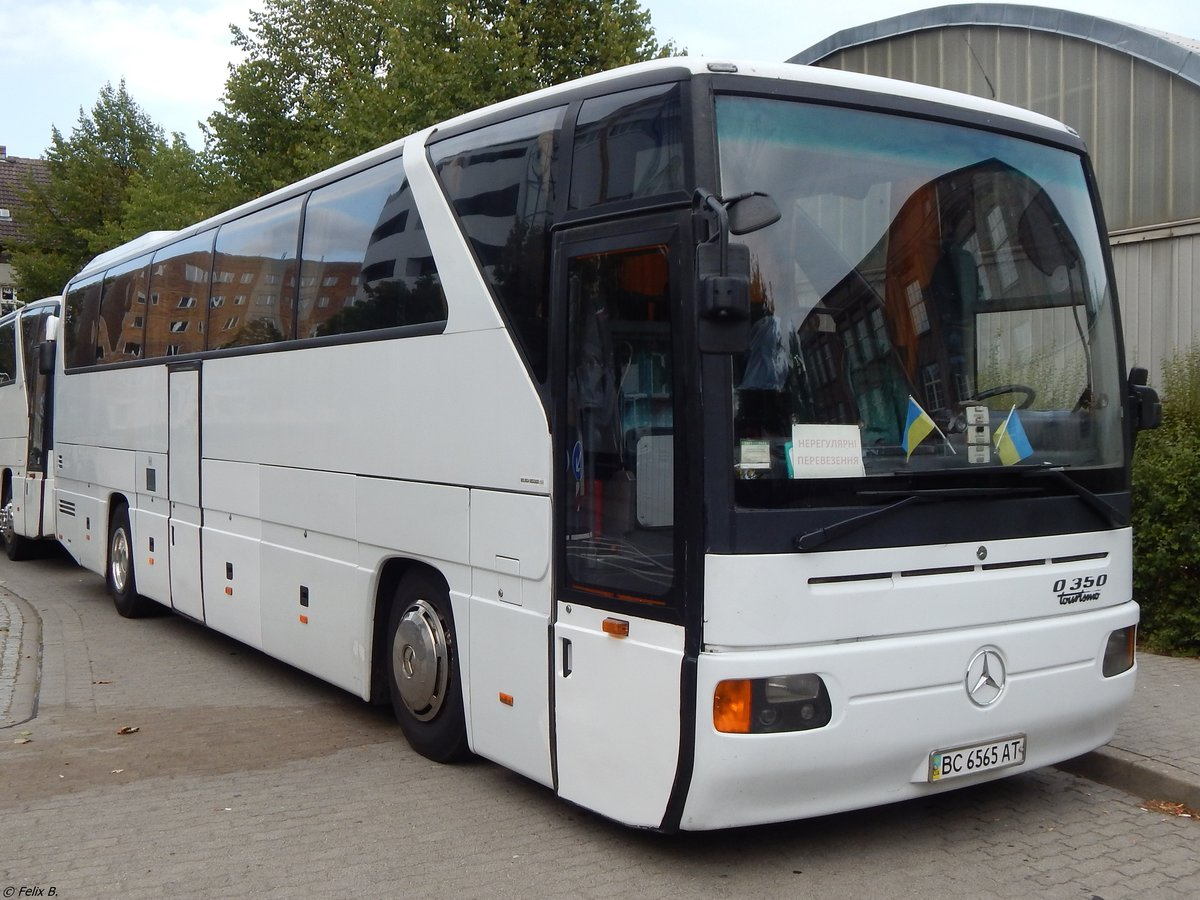 Mercedes Tourismo aus der Ukraine in Neubrandenburg am 02.09.2018