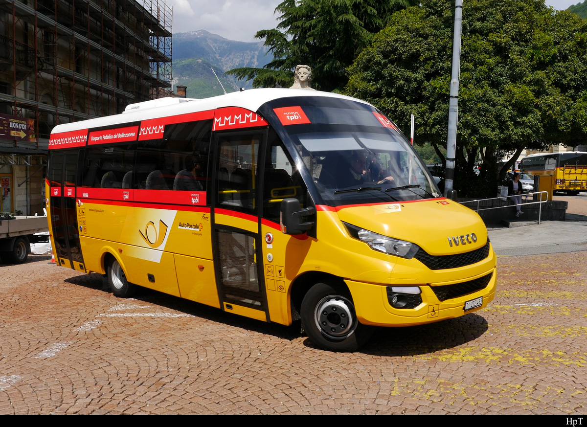 Postauto - Iveco First TI 272433 unterwegs in Bellinzona am 16.05.2019