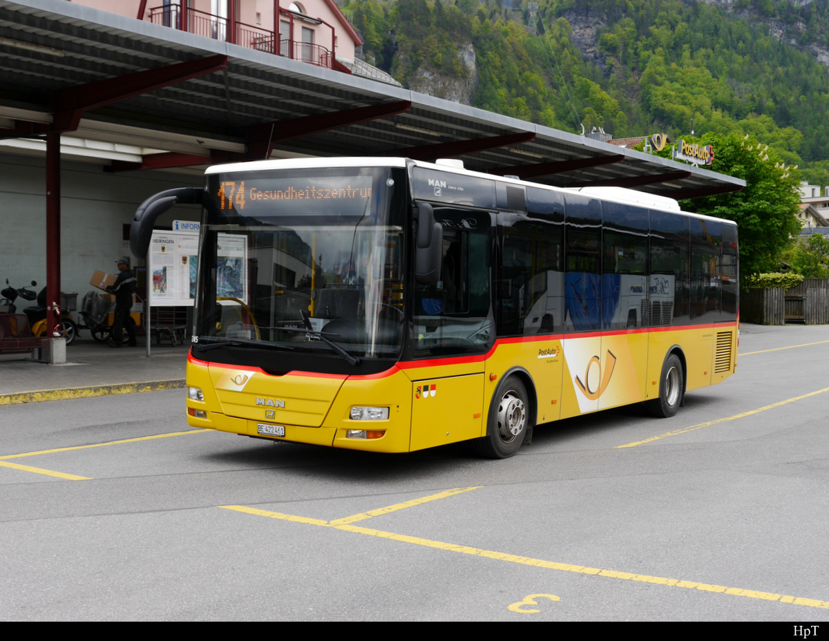 Postauto - MAN Lion`s City  BE  422461 vor der Post in Meiringen am 13.05.2019