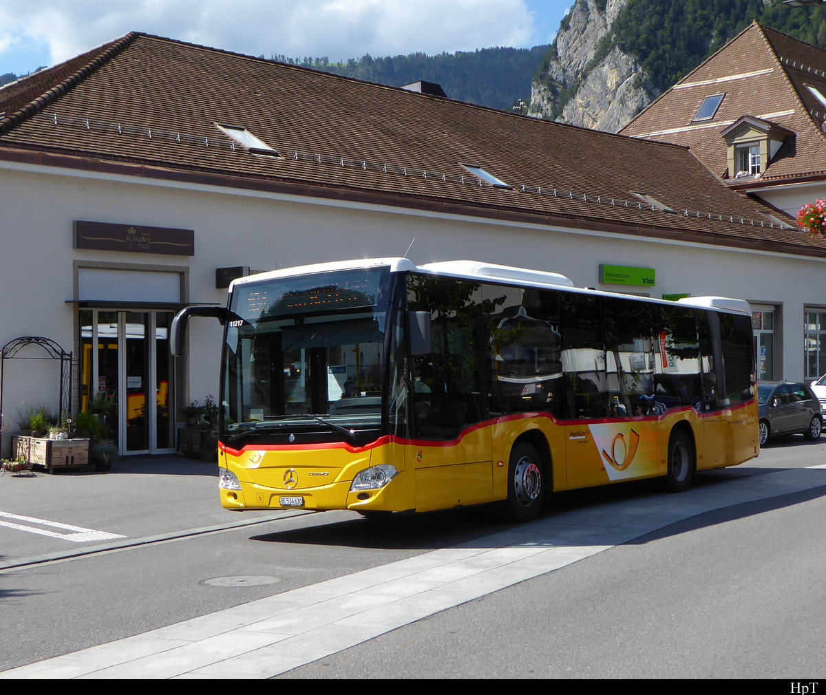 Postauto - Mercedes Citaro Hybrid  BE  534630 unterwegs in Interlaken am 25.07.2020