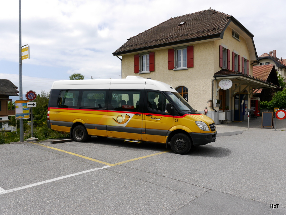 Postauto - Mercedes Sprinter VD  1053 in Chernex am 09.05.2017