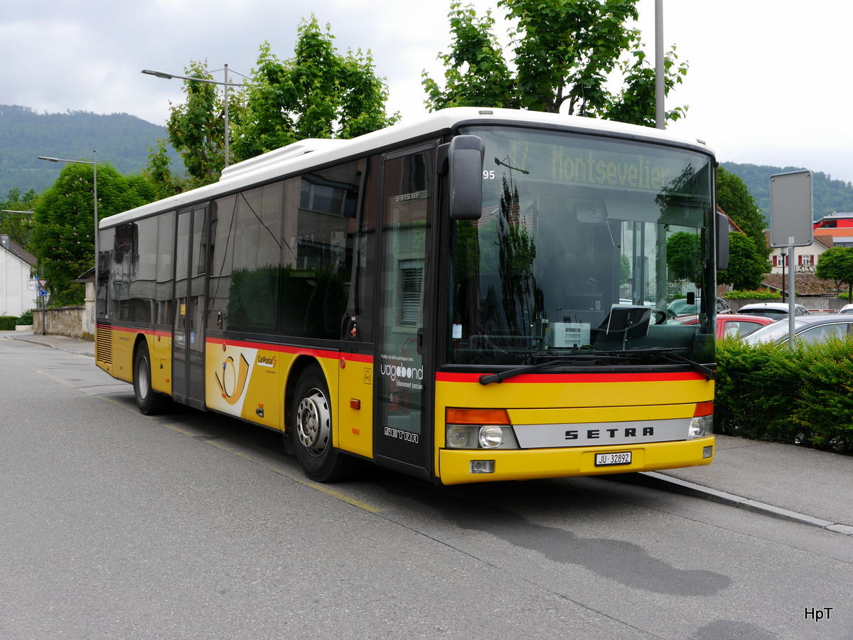 Postauto - Setra S 315 NF JU 32892  in Delémont am 17.05.2018