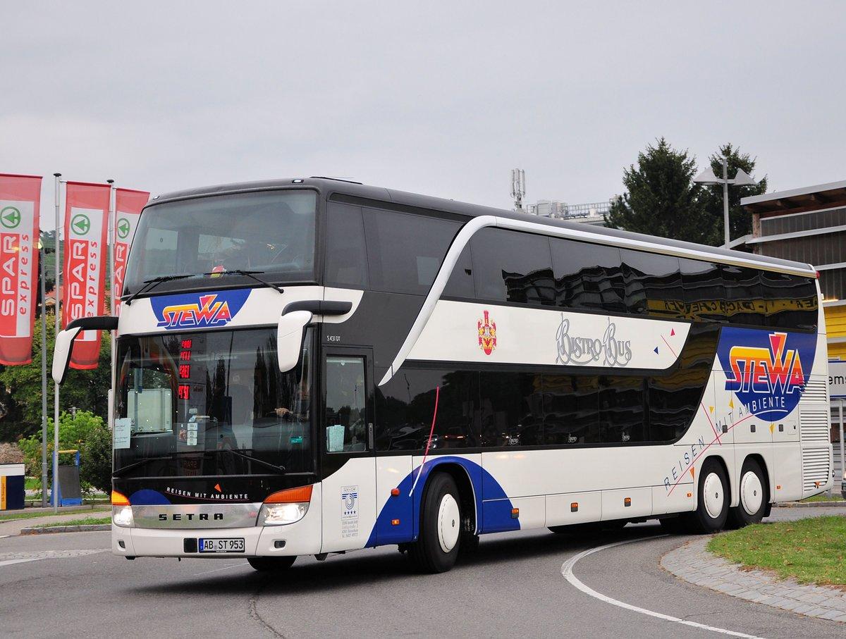 Setra 431 DT von Stewa Reisen aus der BRD in Krems gesehen