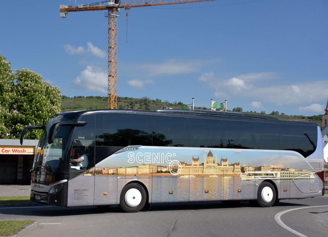 Setra 515 HD von Scenic Tours-Blaguss SK 05/2017 in Krems.