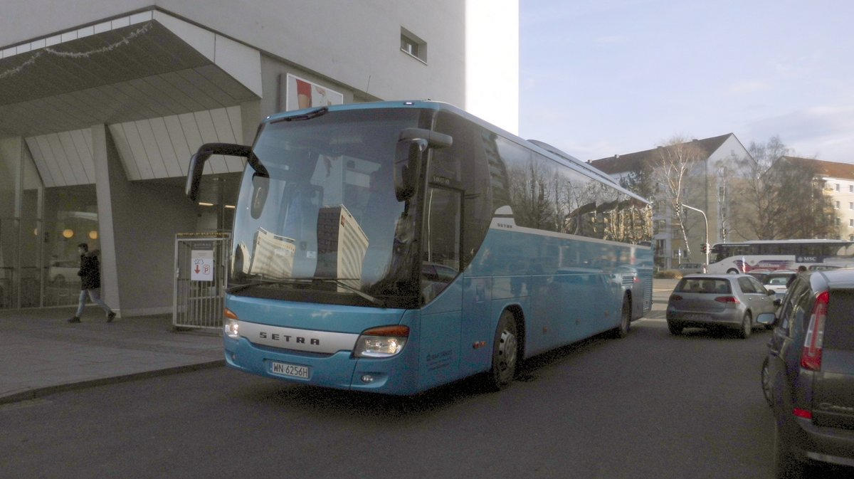 Setra S416 GT-HD/2 am 10.12.2016 in Dresden