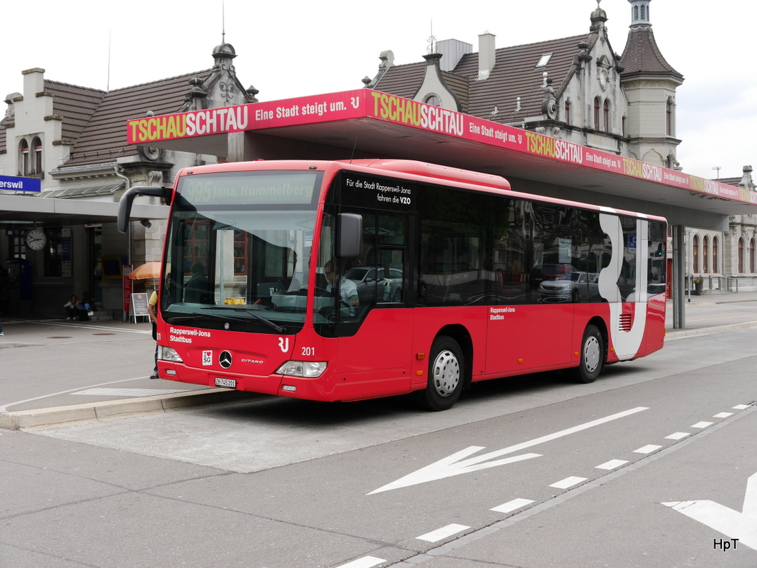Stadtbus Rapperswil/ Jona - Mercedes Citaro  Nr.201  ZH 745201 in Rapperswil am 25.04.2015