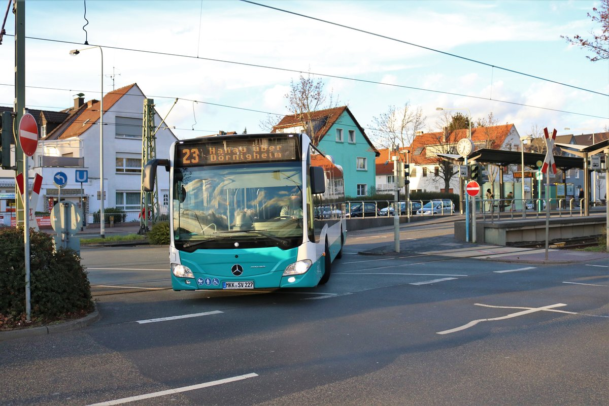 Stadtverkehr Maintal Mercedes Benz Citaro 2 Wagen 227 am 09.03.19 in Frankfurt am Main Enkheim