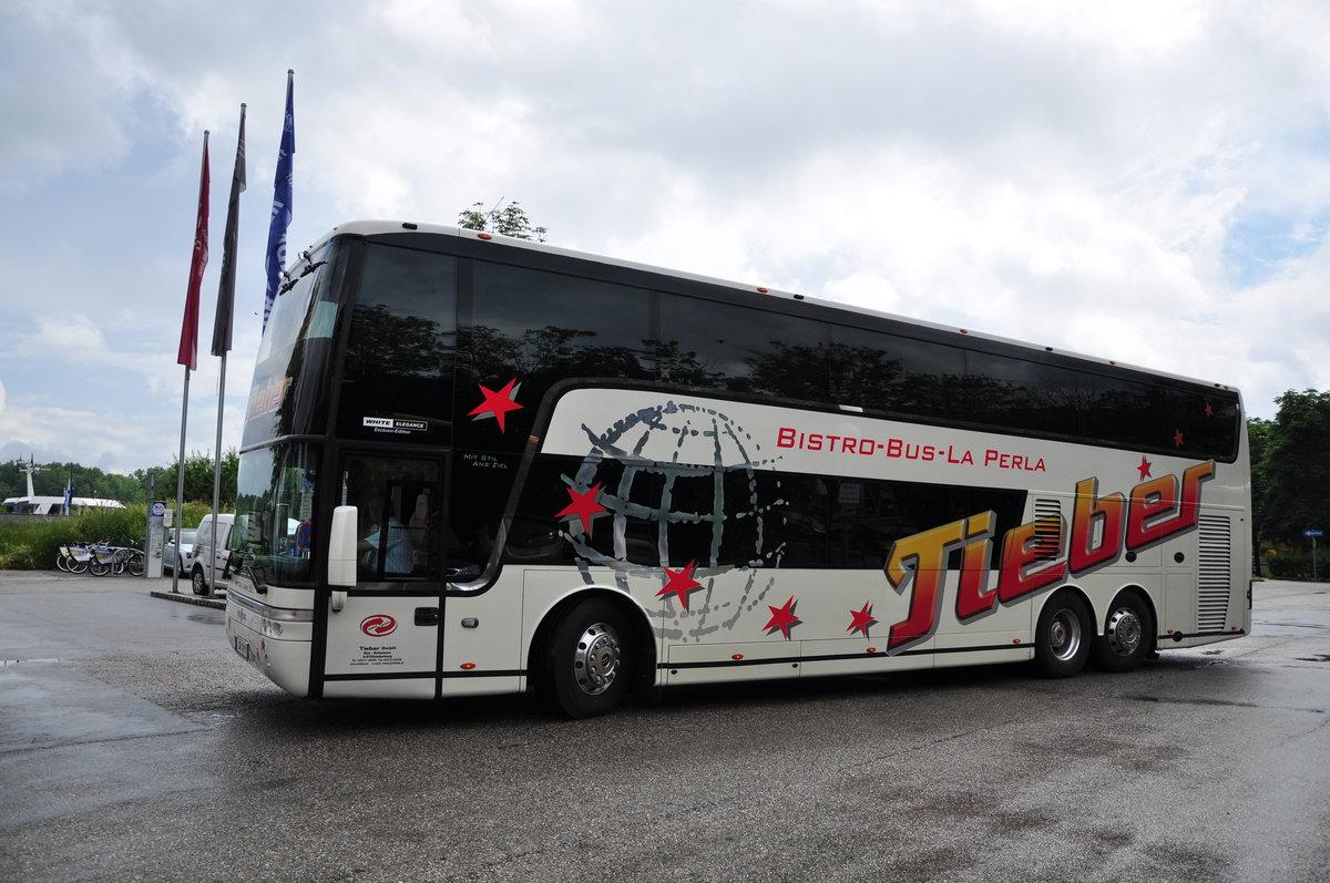 Van Hool T917 Astromega Von Tieber Reisen Aus österreich In Krems