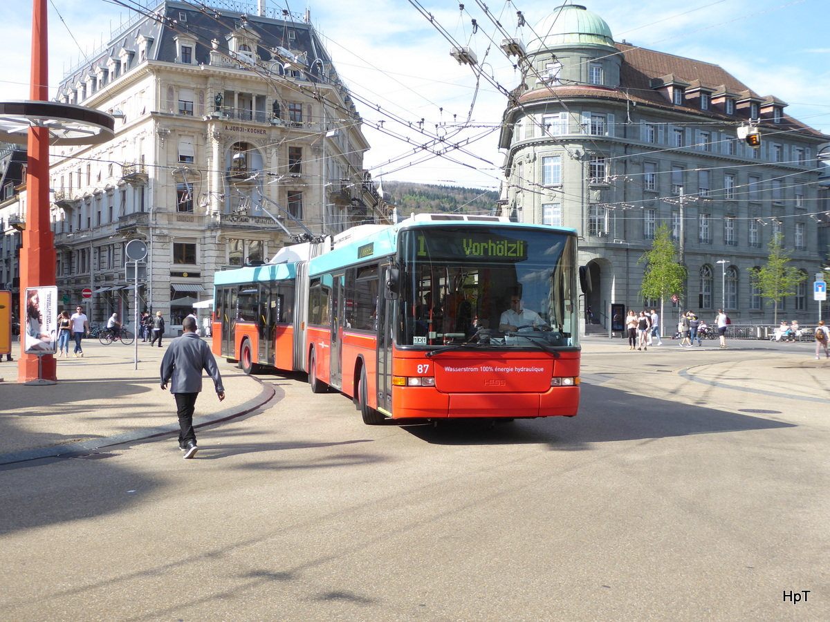 VB Biel - Trolleybus Nr.87 unterwegs in Biel am 10.04.2017