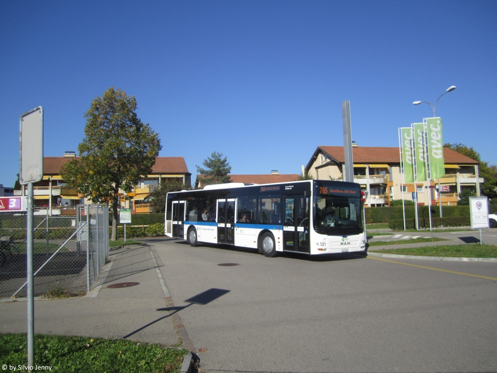 VBG/ATE Bus AG Nr. 71 (MAN A21 Lion's City) am 5.10.2018 beim Bhf. Bassersdorf