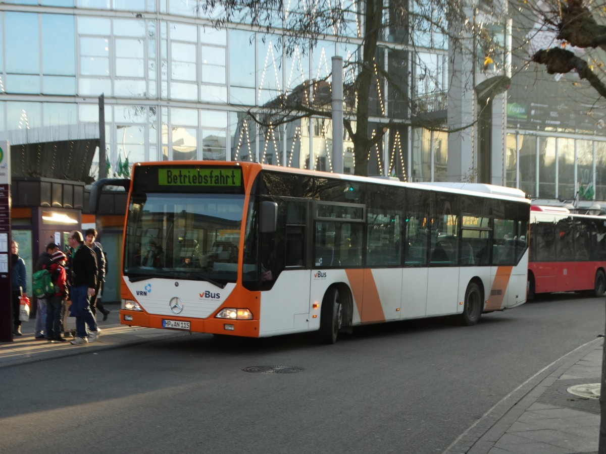 vBus Mercedes Benz Citaro C1 am 10.12.15 in Heidelberg