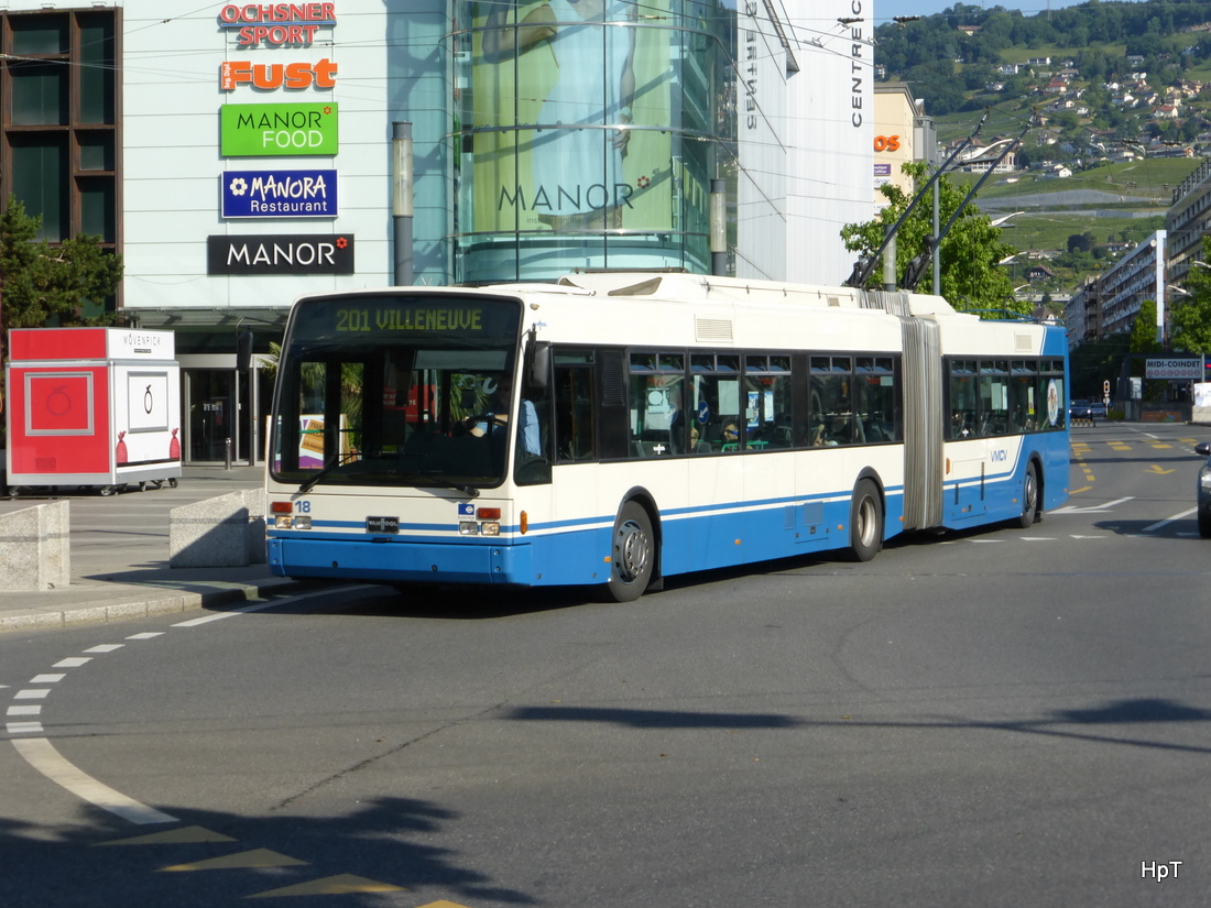 VMCV - VanHool Trolleybus Nr.18 unterwegs in Vevey am 07.06.2015