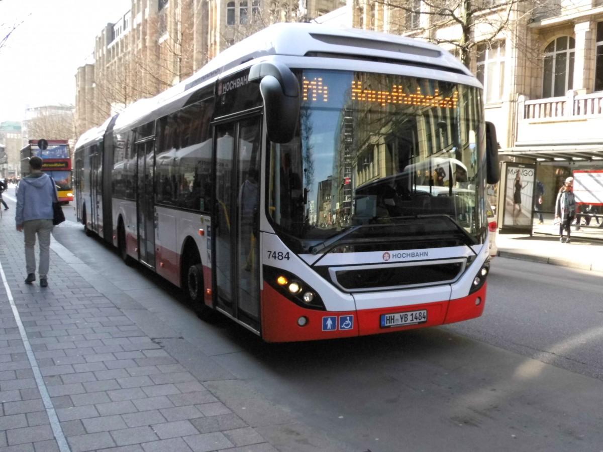 volvo 7900 lh hybrid hha 7484 auf linie m4 am hbf m nckebergstr 9 bus. Black Bedroom Furniture Sets. Home Design Ideas