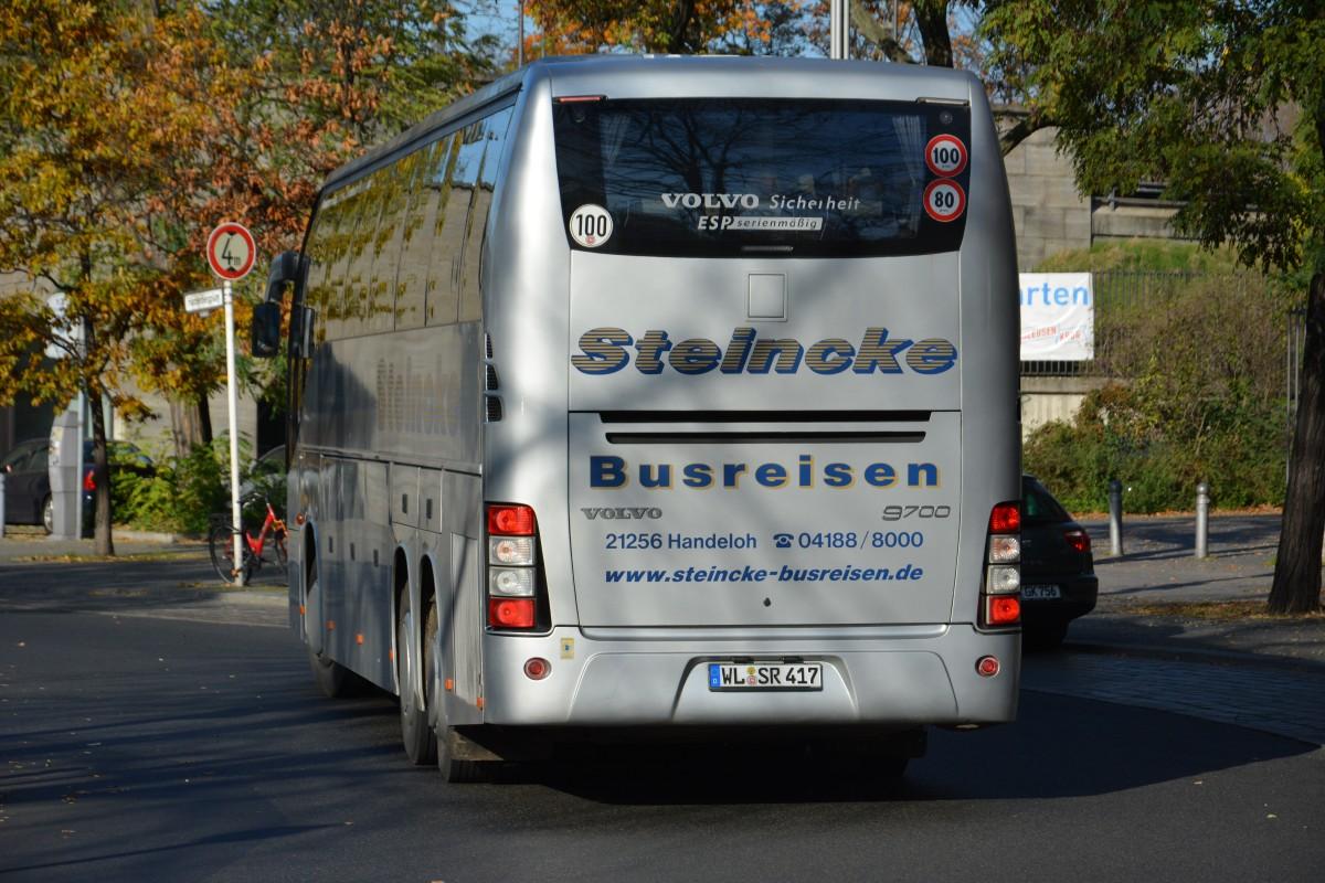 WL-SR 417 unterwegs am 08.11.2014 durch Berlin. Aufgenommen wurde ein Volvo 9700, Berlin ...